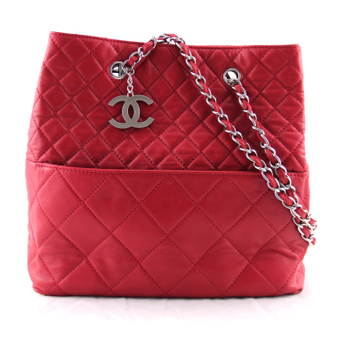 chanel red lambskin jumbo tote bag